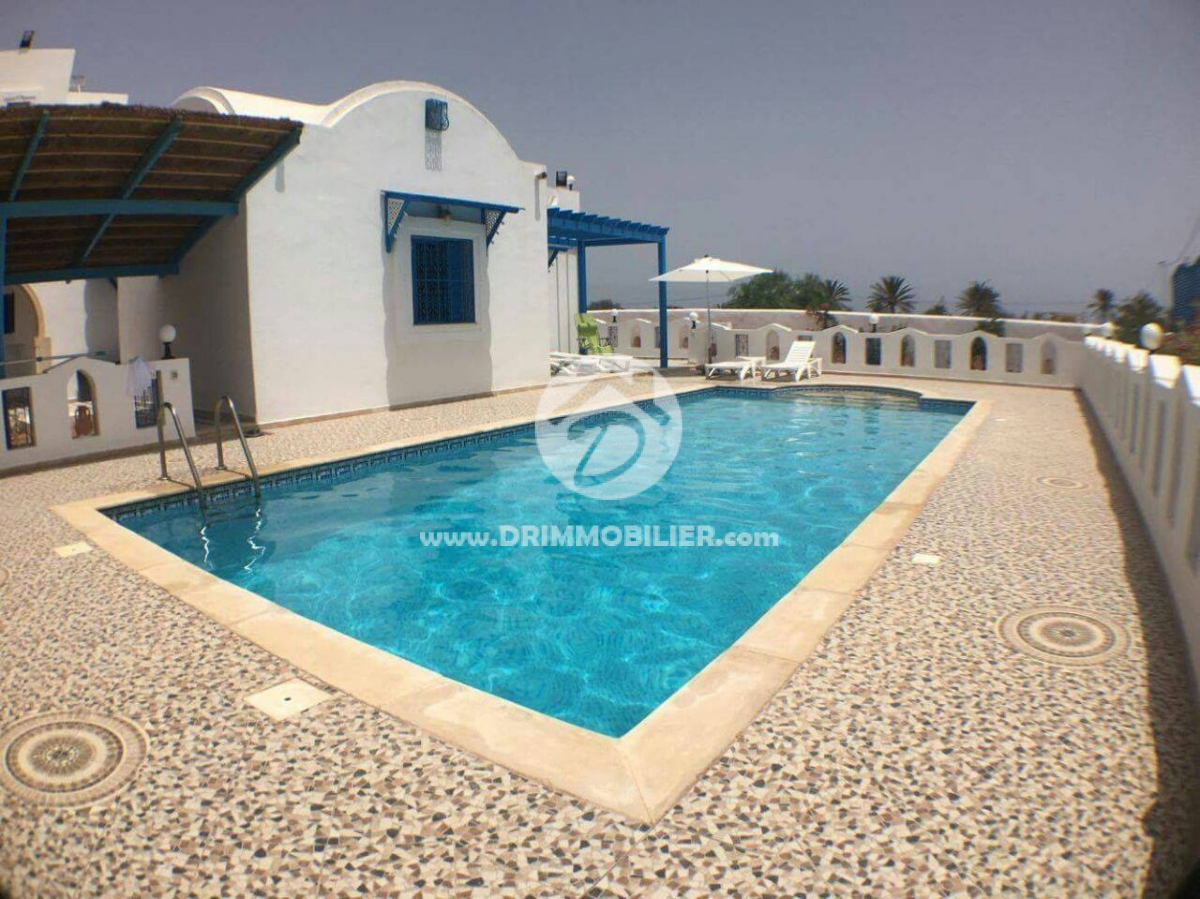 L 145 location villa avec piscine for Piscine laguna tarif